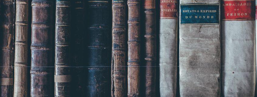 « Intradiégétique » c'est LE mot qu'on apprend en cours de musique à l'image. Essayez de le placer dans une conversation. Blog Adélie Prod.